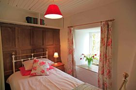Hill Top Cottage Bedroom